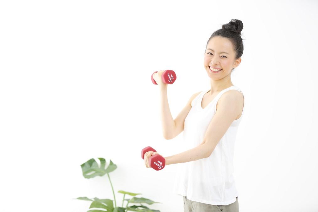 二の腕のたるみを解消する方法